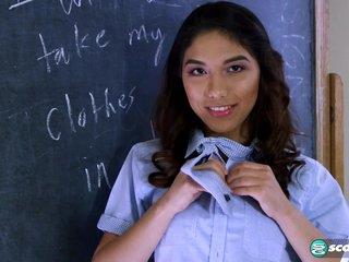 Squirting Schoolgirl - 18Eighteen