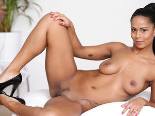 Isabella Chrystin in Ebony Love - Nubiles