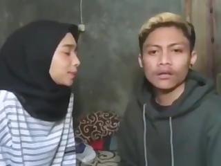 Cewek indonesia ngentod dengan sepupu loading=