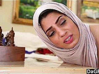 Arab Sexy Lady Fucks With Christian Guy